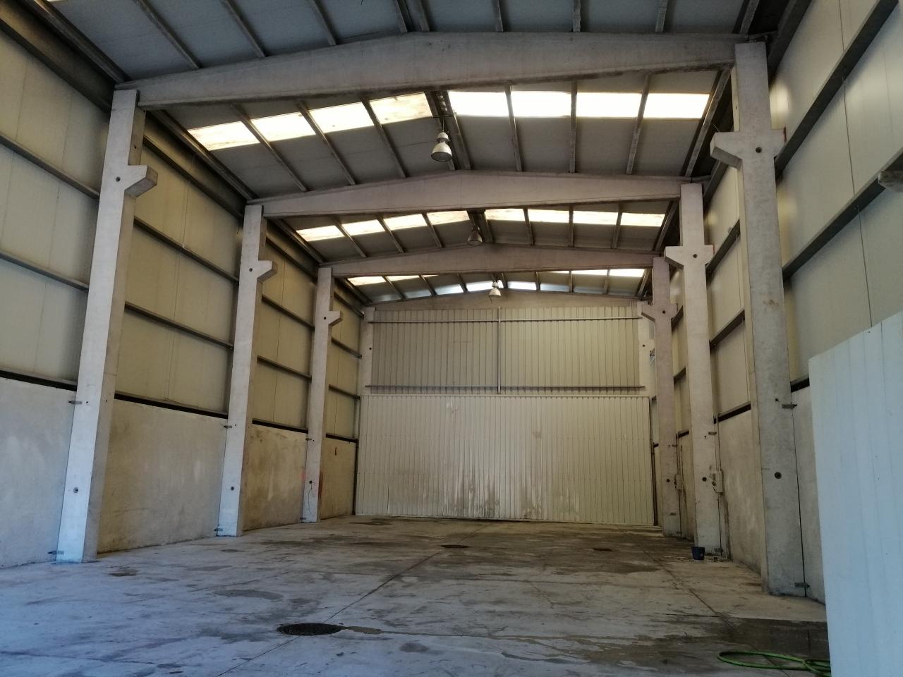 Se alquila Nave industrial de 360 m2 en Sanxenxo