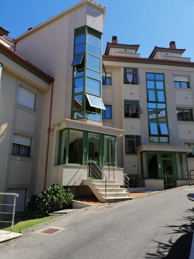 Piso de 3 habitaciones a la venta en Portonovo, Sanxenxo.